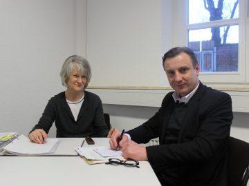 Ingrid Decke nach mehr als 50 Jahren beim Landkreis offiziell im Ruhestand / Übergabe an Nachfolger Michael Duensing